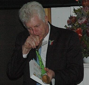 Provincial Minister Alan Winde also trying hard to get a soun sept 2015 gavin lawson